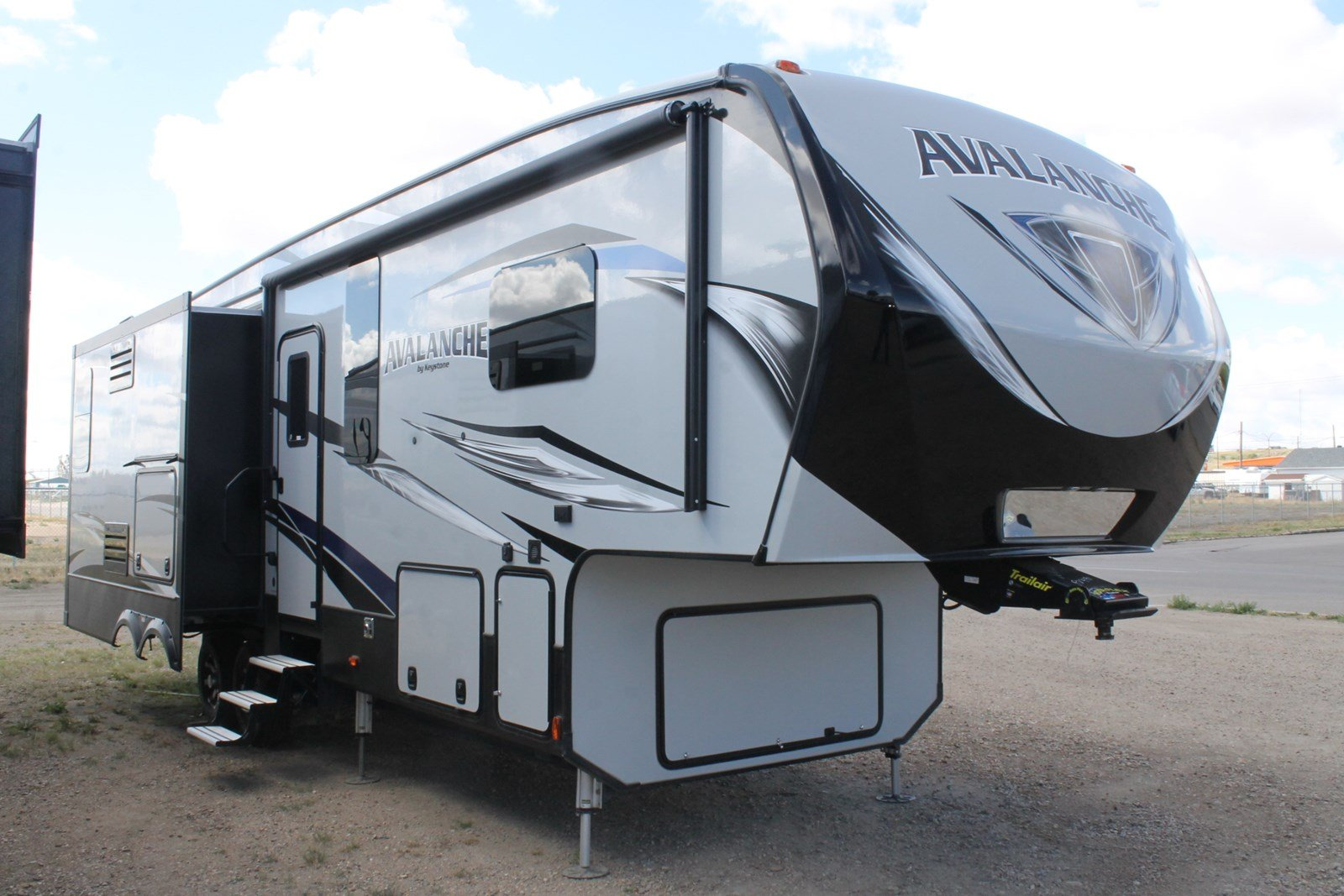 New AVALANCHE 330GR FIFTH WHEEL